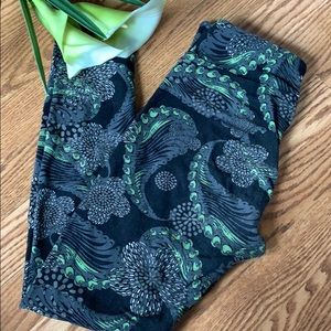 Lularoe floral paisley leggings